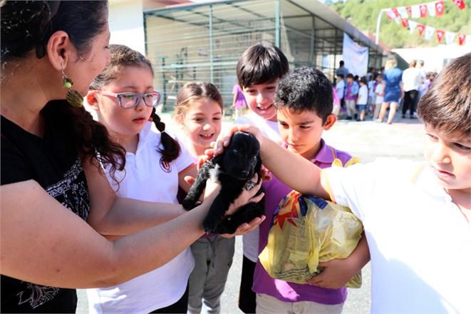 4 Ekim Dünya Hayvanları Koruma Gününde, MinikHayvanseverler Mersin'e Geldi