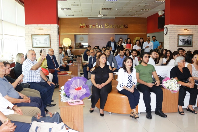 Mersin'de 12 Avukat Cübbe Giydi