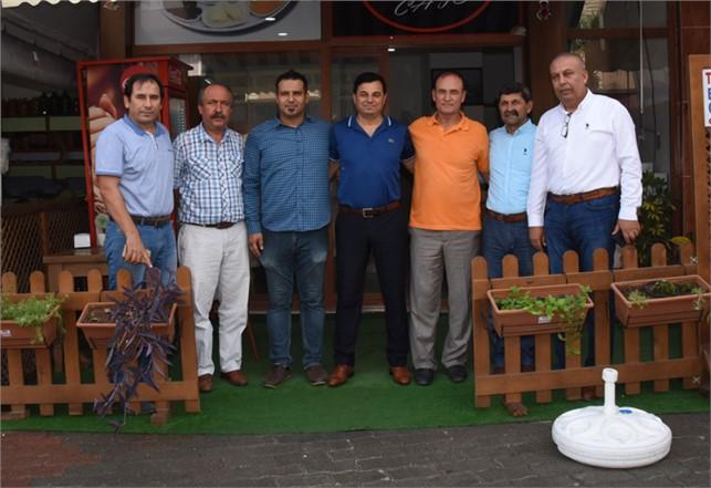 Anamur Belediye Başkanı Mehmet Türe esnafları ziyaret etti.