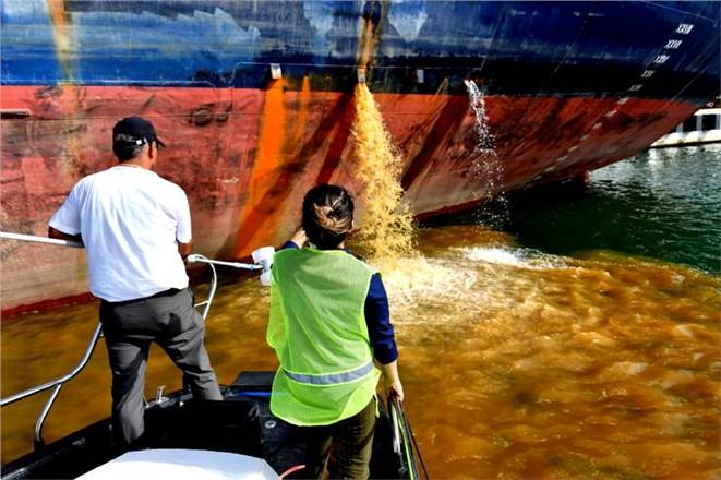 Mersin'de Denizi Kirleten Gemilere 7 Milyon 386 Bin Lira Ceza Kesildi