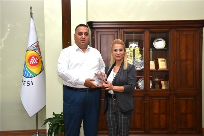 """Tarsus Belediyesi Avrupa'da 2 Yıl Üst Üste """"başarı Ödülü"""" Aldı"""
