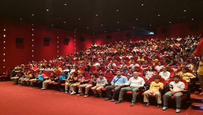 Tarsus Şehit Yurdakul Alcan Ortaokulu Öğrencileri Sinemayla Buluştu