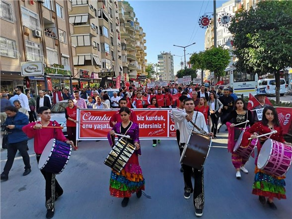 Tarsus CHP'den Alternatif Cumhuriyet Kutlaması