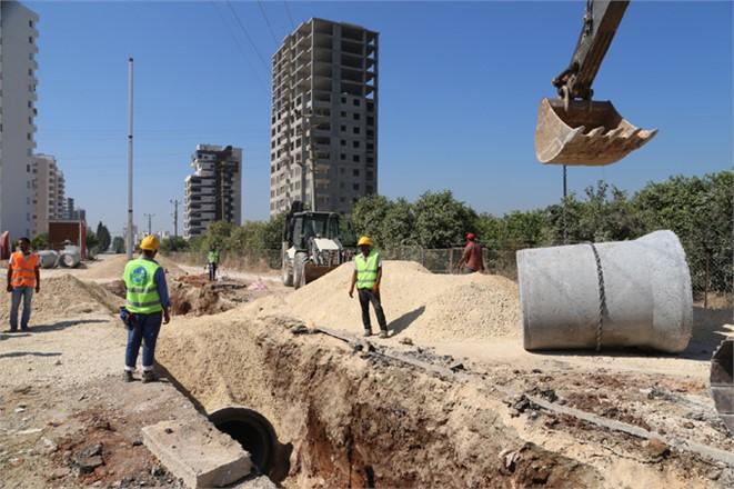 MESKİ, Mezitli Deniz Mahallesi'nde Yağmur Suyu Çalışmalarını Sürdürüyor