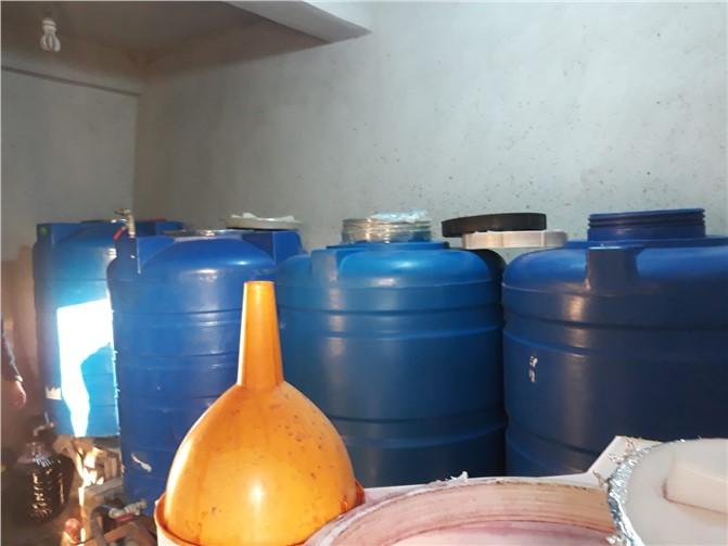 Mersin'de Sahte İçki Operasyonunda 8 Bin Litre İçki Ele Geçirildi