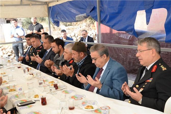 Jandarma Genel Komutanı Orgeneral Arif Çetin Mersin'de Şehit Ailelerini Ziyaret Etti