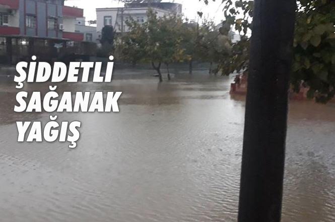 Mersin ve İlçelerinde Etkili Olan Sağanak Yağış Hayatı Olumsuz Etkiledi