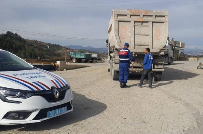 Mersin'de Jandarmadan Trafik Denetimleri: 11 Bin 449 Araç Kontrol Edildi