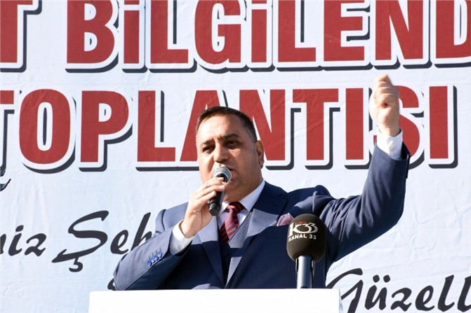 Muhtarlar Başkan Şevket Can'a Çiçek Taktim Edip Destek Sözü Verdiler!