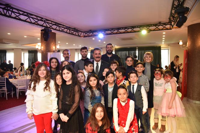 Başkan Hamit Tuna, Ayrısız Gayrısız Tüm Vatandaşların Yeni Yıl'ını Kutladı