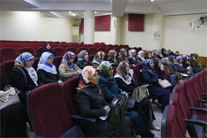 """Tarsus'ta """"Bilinçli Anne, Güvenli Gelecek"""" Projesi Tamamlandı"""