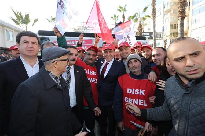 CHP Mersin Büyükşehir Belediye Başkan Adayı Vahap Seçer'i Binler Karşılıyor