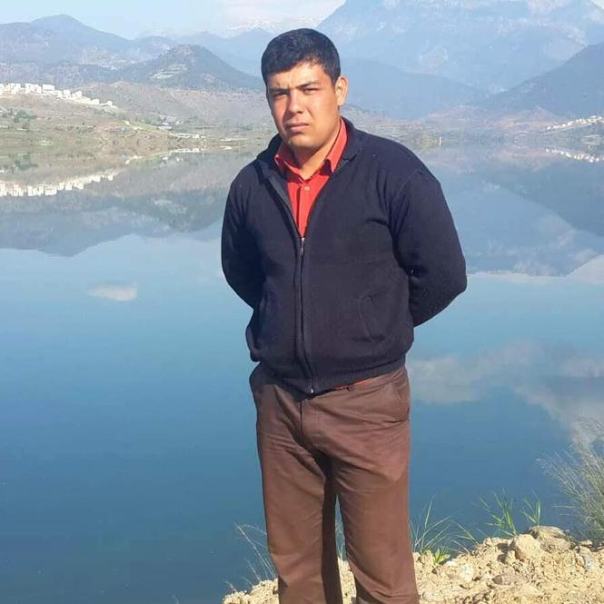 Mersin Anamur'da Yolda Kalan Kamyonu Çekmeye Çalışan Traktör Devrildi: 1 Ölü