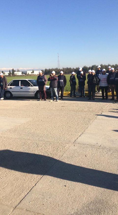 İzocam Tarsus ve Dilovası Fabrikalarındaki İşçiler Greve Çıktı! İşçiler Tesis Kapısında
