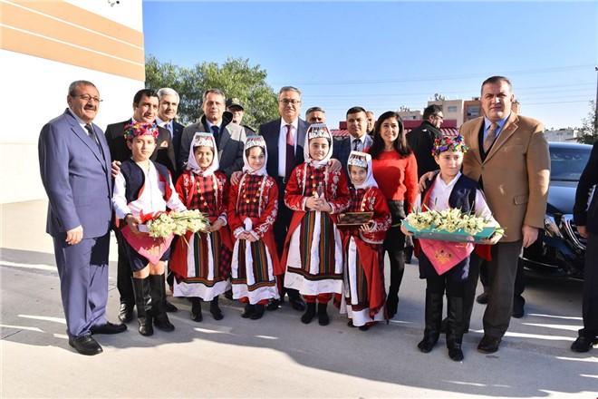 Mersin'de Karne Alan Öğrencilerin Heyecanına, Vali Su da Ortak Oldu