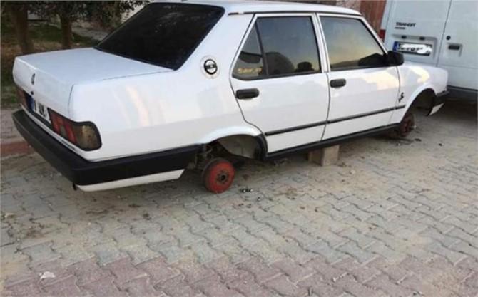 Mersin Tarsus Altaylılar Mahallesinde Otomobillerin Lastikleri Çalındı