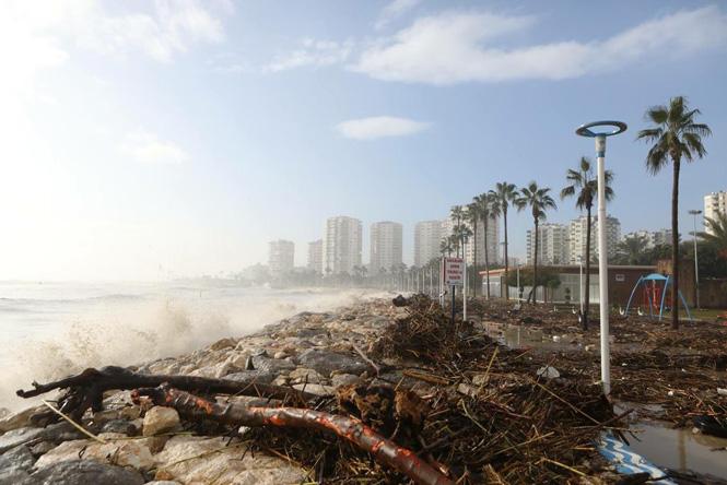 Batı Mersin'e Uyarı! Mersin'de 4 İlçe İçin Şiddetli Yağış Uyarısı Yapıldı: Sel, Su Baskını, Hortum, Dolu