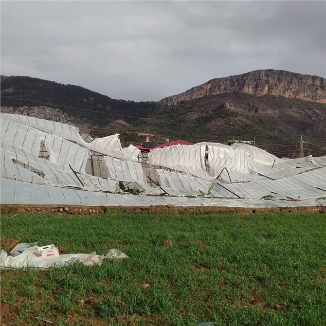 Yetkililer Hortumun Vurduğu Mersin'in Bozyazı ve Anamur İlçe Kırsallarında Hasar Tespit Çalışmalarına Başladı