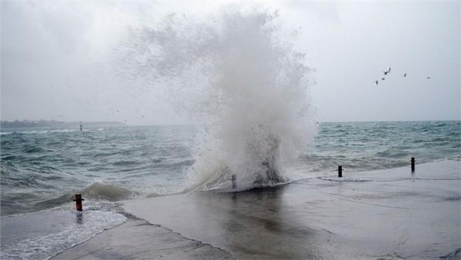 Mersin'in de Yer Aldığı Doğu ve Orta Akdeniz'in İç Kesimlerine Fırtına Uyarısı
