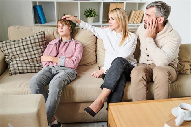 İlk Kural: Sağlıklı İletişim Kurun! Çocuğunuzu Risk Faktörlerine Karşı Hazırlayın
