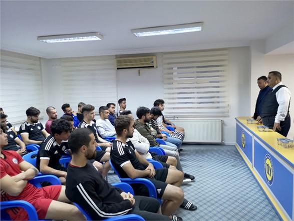Başkan Can, TİY Yönetimi, Teknik Heyet ve Futbolcularla Biraraya Geldi
