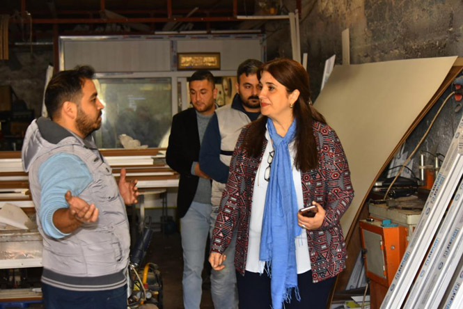 Mersin'in Tek Kadın Adayı Olan, İYİ Parti Tarsus Adayı Esin Erkoç, Ekonomiye Dikkat Çekti