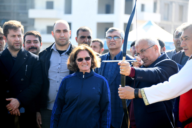 Mersin'de Spor Akademilerinde Geleneksel Okçuluk Kursu Açıldı