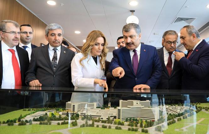 """Bakan Koca: """"Tarsus Devlet Hastanesi Mersin'de Önemli Bir Boşluğu Dolduracak"""""""
