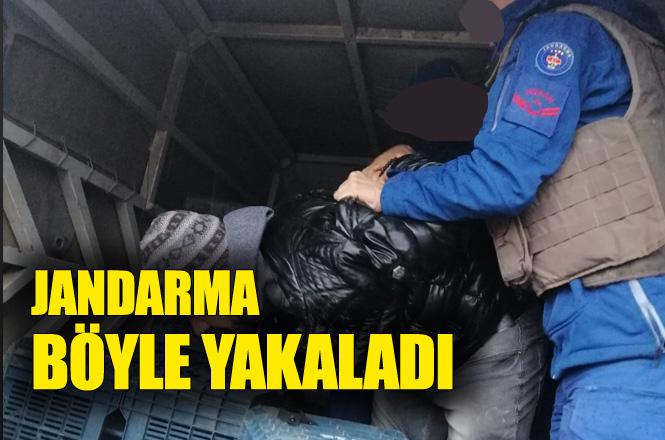 7 Ayrı Suçtan Kaydı Bulunan Şahıs, Kamyonetin Arkasındaki Narenciye Kasalarının Arasında Yakalandı