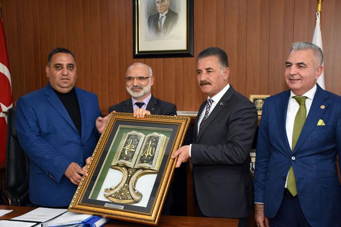 Tarsus Belediye Başkanı Can, Gittiği Her Yerde Sevgiyle Karşılanıyor