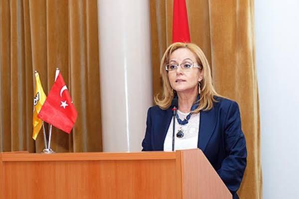 Burhanettin Kocamaz, Mersin Büyükşehir Adayı Olarak Ayfer Yılmaz'ın İsmini Verdi