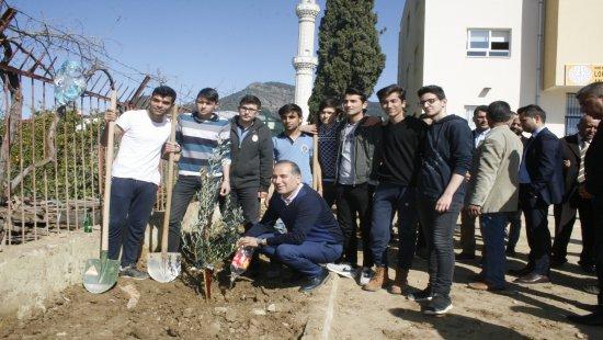 Anamur'da Başkanlar Fidan Gibi