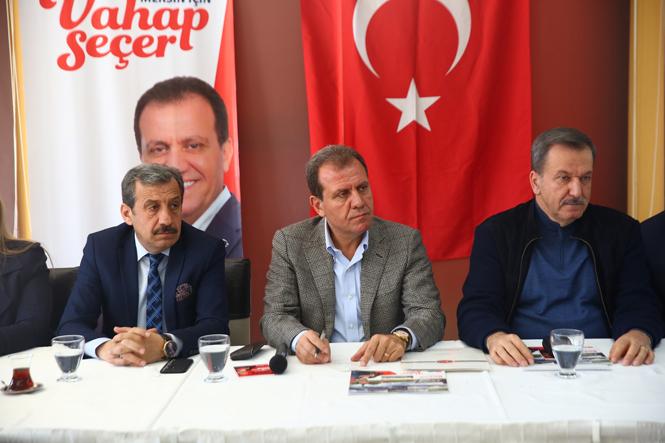 CHP Mersin Adayı Vahap Seçer, Mersinli Gazetecilerle Buluştu