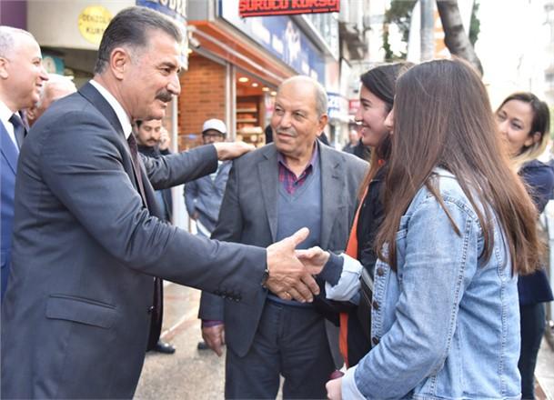 Başkan Tuna'dan, Mersin'deki Otopark Sorunu İçin Çarşı Esnafına Otopark Sözü
