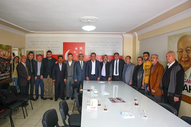 CHP Adayı Vahap Seçer, Yerel Seçimleri Beka Sorunu Olarak Göstermeye Çalışan Anlayışa Tepki Gösteri