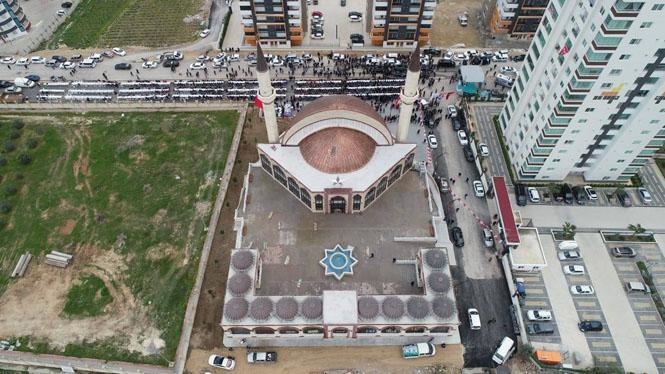 Mersin Tarsus'ta, Belediye Tarafından Yapımı Tamamlanan Alt Kısmında Okuma Salonu Bulunan Ay Yıldız Cami Törenle Açıldı