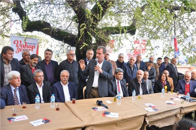 """CHP Mersin Büyükşehir Adayı Vahap Seçer, """"Her İki Kişiden Birinin Oyunu Alıyoruz"""""""