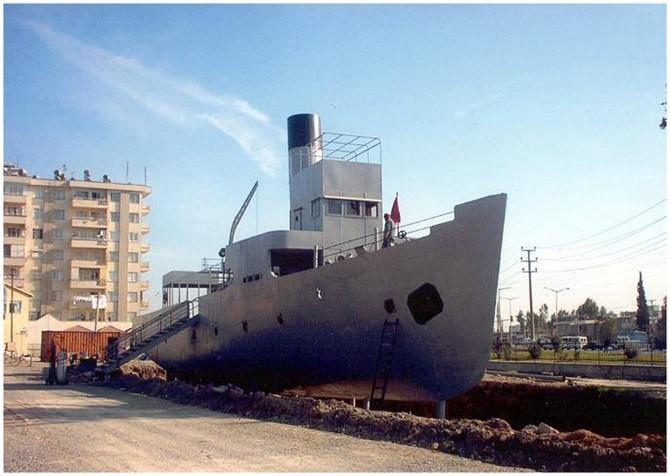 Çanakkale Ruhu 17 Yıldır Tarsus'ta Yaşıyor, Nusrat Mayın Gemisi Tarsus'ta Ziyaretçilerini Ağırlıyor
