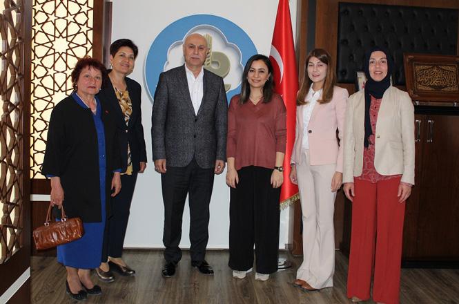 Cumhur İttifakı Meclis Üyesi Kadın Adaylarından Tarsus Ticaret Borsasına Ziyaret