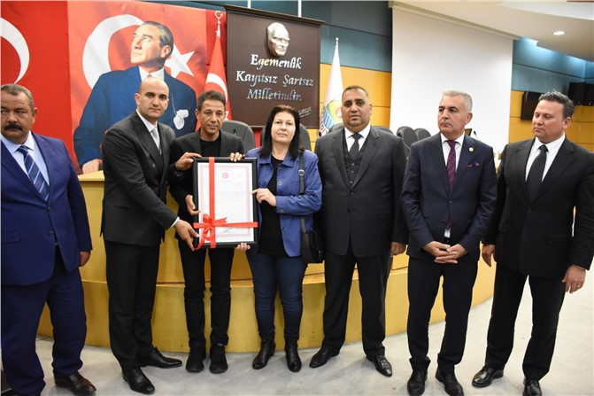 Tarsus Belediyesi 73 Şehit Ailesine Ücretsiz Konutların Tapusunu Teslim Etti Gözyaşları Sel Oldu