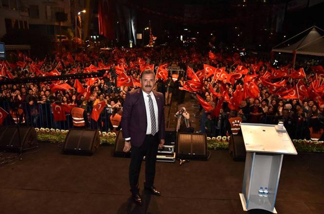 """Nevruz'u Binlerce Mersinli İle Birlikte Kutlayan Başkan Tuna; """"Gönüllere Cemre Düştü"""""""