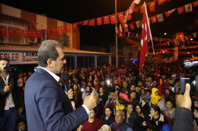 """Tarsus'ta Düzenlenen Mitingde Konuşan Vahap Seçer, """"Göreve Hazırım"""" Mesajı Verdi"""