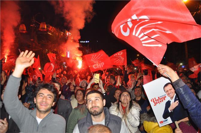 CHP Mersin Büyükşehir Belediye Başkanlığına Seçilen Vahap Seçer, ''Herkesin Belediye Başkanıyım''