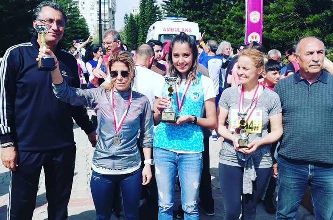 Tarsuslu Milli Atlet Nursel Karataş, Adana'da 1'ncilik Aldı