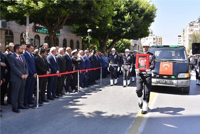 Şehit Emniyet Müdürü Bülent Pehlivan Son Yolculuğuna Uğurlandı