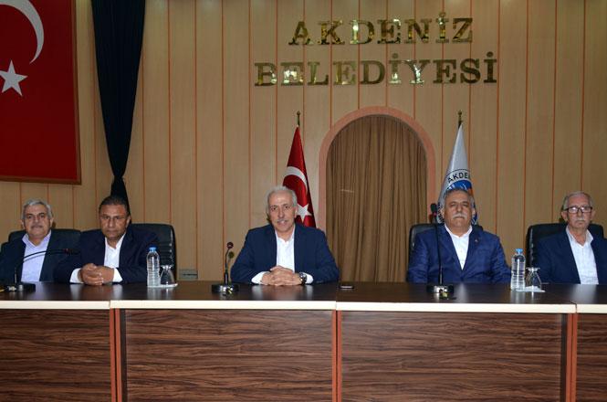 Akdeniz Belediye Başkanı Mustafa Gültak, Belediye Personeli İle Toplantı Yaptı