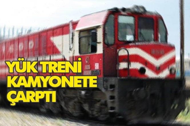 Mersin Tarsus Özlüce -Yenice Mahalleri Arasındaki Hemzemin Geçitte Tren Kamyonanete Çarptı