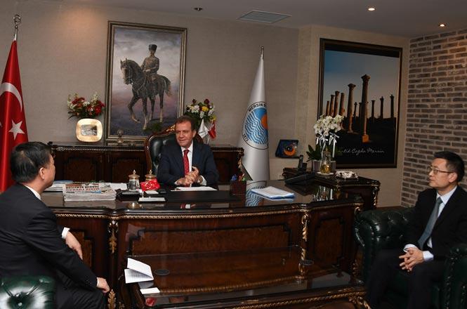 Ningbo Heyetinden Mersin Büyükşehir Belediye Başkanı Vahap Seçer'e Nezaket Ziyareti