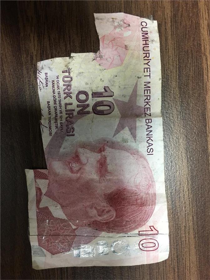 Mersin'de Sahte Para Kalpazanlarının Yöntemi, Akıllara Durgunluk Verdi: Gerçekleri Kesip Sahteye Monte Etmişler