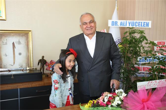 Mersin Erdemli'de Minik Başkanlardan İlk Talimat